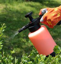 Обработка сада от болезней и вредителей химическими и биологическими препаратами